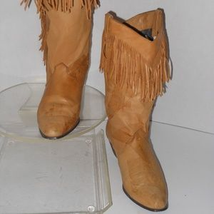 DINGO BEIGE LEATHER WESTERN STYLE BOOTS SIZE 8 M